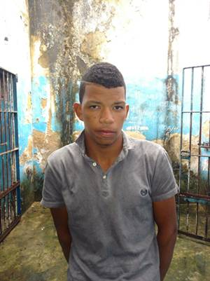 LUIS CARLOS DA SILVA SODRE, usava seringa para simular arma de fogo