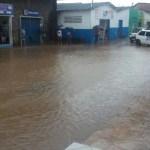 MARAU: TEMPESTADE DEIXA CENTRO DA CIDADE DEBAIXO D' ÁGUA