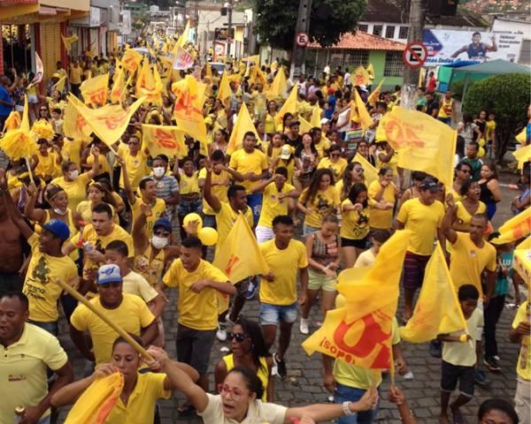 A multidão tomou conta da Avenida