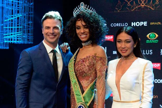 A Miss Brasil 2016 é a candidata do Paraná Raissa Santana