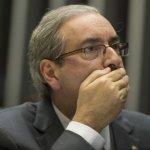 CUNHA APANHA DE MULHER EM AEROPORTO AOS GRITOS DE 'LADRÃO'E  'PEGA, PEGA'