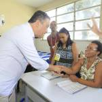 GOVERNADOR VOTA NO BAIRRO DA LIBERDADE, EM SALVADOR