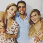 EM MOMENTO RARO, IVETE SANGALO POSA AO LADO DO MARIDO E DA CUNHADA