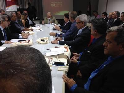 O empresário Raimundinho JR (D) reunido com Diretores do BN