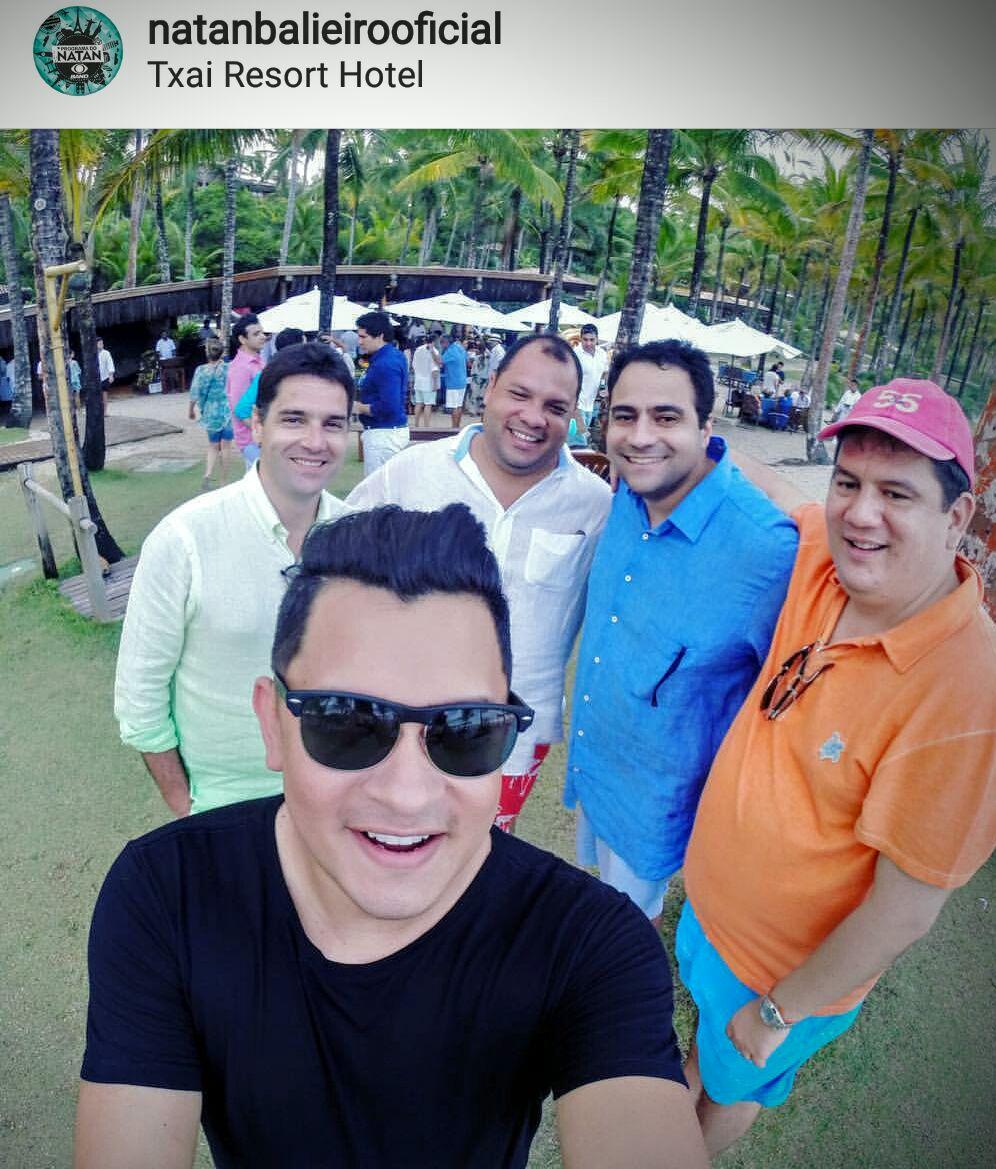 Presidente do TCE, Ari Moutinho e o empresário Cirilo na festa de casamento da filha de Eduardo Braga