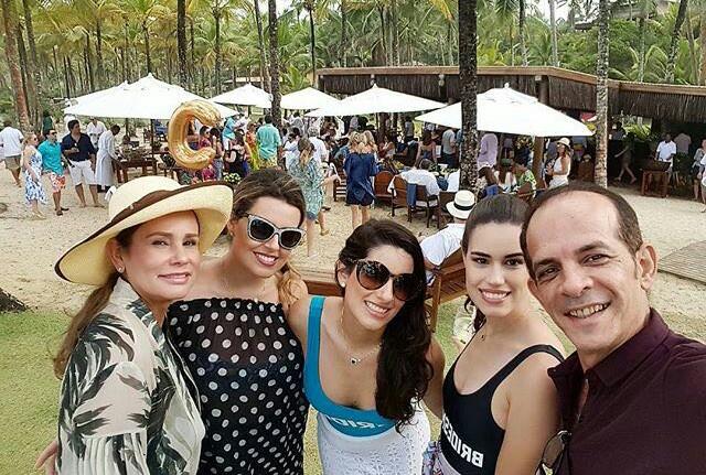 Ex-senadora Sandra Braga no casamento da filha Bruna Braga.