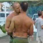 ATOR DA RECORD É FLAGRADO BEIJANDO OUTRO HOMEM