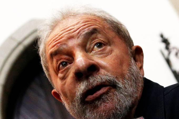 Lula se tornou réu nesta segunda-feira (19) por corrupção e lavagem de dinheiro.