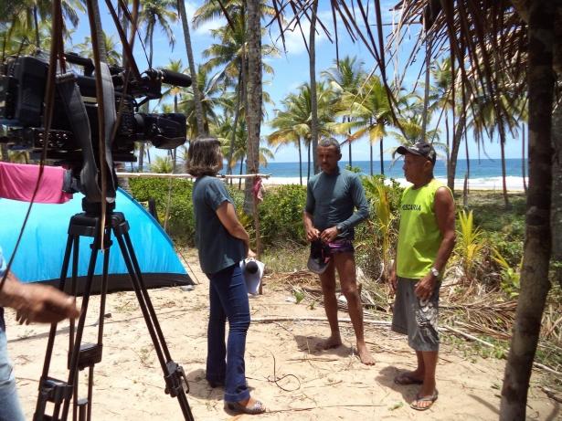 Reportér da TV Santa Cruz entrevistou moradores