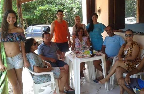 Da direita p/esquerda, sentados, Lucila, Norma Ribeiro, Paulo de Tarso e esposa, Margareth. Em pé: Rebecca, Denise, Paulo de Tarso Filho e Paola.