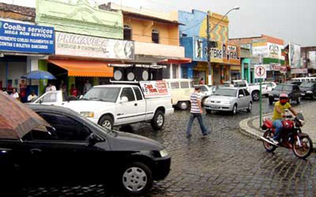 As lojas no centro da cidade são vitimas de arrombamentos e assaltos