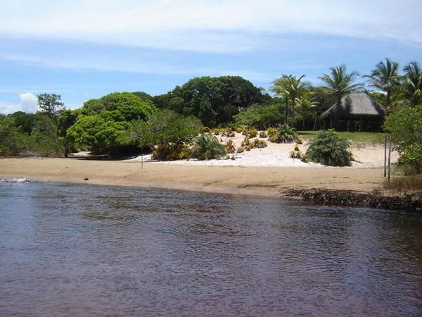 Praia do Rio Piracanga é muito procurada para tursmo de eventura