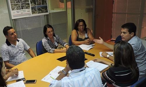 A prefeita ao lado do deputado Eduardo Salles participou de audiência na COELBA
