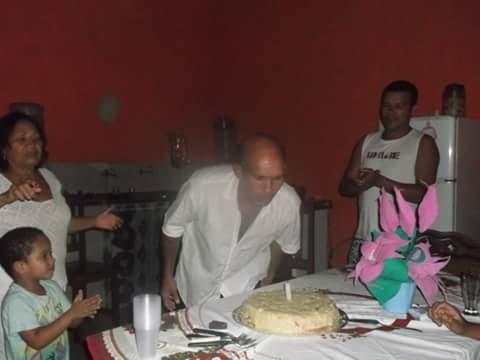 No ano passado a festa de aniversário teve direito a bolo e tudo mais