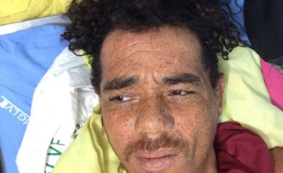 Ele é apontado como autor de um homicídio contra o idoso, Feliciano Bernadino dos Santos de 72 anos que foi morto dentro de casa em Maraú, na sede do município.