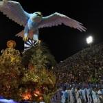 PORTELA É CAMPEÃ DO CARNAVAL DO RIO APÓS JEJUM DE 33 ANOS