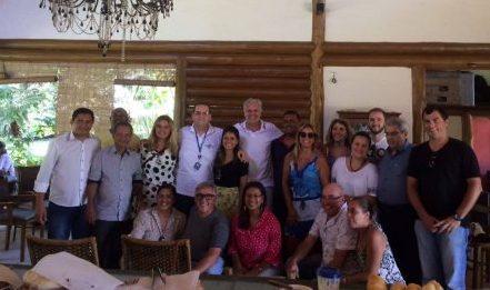 Secretários de turismo e empresários dos nove municípios que compõem a Câmara de Turismo da Costa do Dendê ((VALENÇA, CAIRU, ITUBERA, NILO PEÇANHA, CAMAMU, TAPEROA, MARAU,