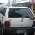 UBAITABA: POLÍCIA RECUPERA CARRO ABANDONADO NA PORTA DE MERCADO