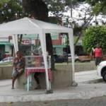 UBAITABA: PREFEITURA REMOVE AMBULANTES DA PRAÇA 27 DE JULHO
