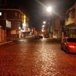 UBAITABA: BANDIDO ASSALTA DUAS LANCHONETES NA AV. WALTER PASSOS; POLICIAL TENTOU EVITAR FUGA