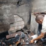 AURELINO LEAL:  INCÊNDIO DESTRÓI RESIDENCIA EM POÇO CENTRAL