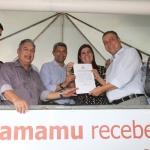 EM CAMAMU, RUI ENTREGA UNIDADE DE SAÚDE E ASSINA CONVÊNIOS PARA AGRICULTURA FAMILIAR