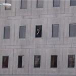 TERRORISTAS FAZEM REFÉNS NO PARLAMENTO IRANIANO: 7 MORTOS