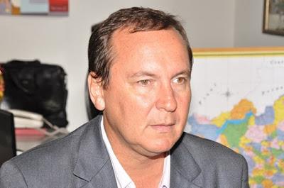 O prefeito de Uruçuca concorreu a a eleição contra a candidata do PT, Fernanda Silva