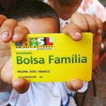 TEMER SUSPENDE AUMENTO NO BENEFÍCIO DO BOLSA FAMÍLIA