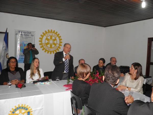 O deputado falou da importância do Rotary para a comunidade