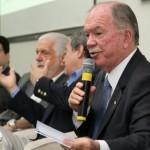 VICE-GOVERNADOR JOÃO LEÃO DESMAIA E É SOCORRIDO PARA HOSPITAL