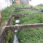 UBAITABA: ASSOREAMENTO NO CANAL DO  RIBEIRÃO O OURO PREOCUPA MORADORES