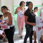 DESENVOLVIMENTO SOCIAL DE ITACARÉ ENTREGA CAMISAS PARA GRUPO DE IDOSOS