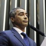 ROMÁRIO É ACUSADO DE OCULTAR PATRIMÔNIO MILIONÁRIO PARA EVITAR PAGAMENTO DE DIVIDAS