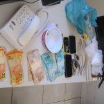 POLÍCIA  DE MARAÚ APREENDE MAS DE R$3 MIL EM CASA USADA PARA O TRÁFICO DE DROGAS EM SAQUAÍRA