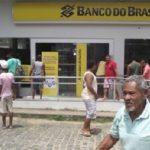 IBIRAPITANGA: BANDIDOS FAZEM GERENTE DE REFÉM E ROUBAM DINHEIRO DO BANCO DO BRASIL