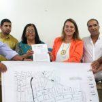 PREFEITA DE UBAITABA  ASSINA ORDEM DE SERVIÇO PARA PAVIMENTAÇÃO ASFÁLTICA EM  RUAS DO CENTRO DA CIDADE