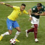 BRASIL SOFRE, MAS VENCE O MÉXICO COM GOLS DE NEYMAR E FIRMINO