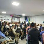 IPIAÚ: CHAPA 'ELEGE' MESA DIRETORA DA CÂMARA EM SESSÃO COM TUMULTO E PM