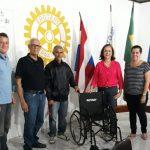 UBAITABA: ROTARY CLUB REALIZA DOAÇÃO DE CADEIRA DE RODAS