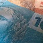 AURELINO LEAL: PREFEITURA CUMPRE COMPROMISSO E PAGA  SALÁRIOS DE SERVIDORES EM DIA