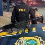 PRF PRENDE MULHER COM ARMA DE GUERRA EM ÔNIBUS NA BAHIA