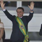 BOLSONARO RECEBE FAIXA PRESIDENCIAL E PROMETE RESTABELECER A ORDEM NO BRASIL