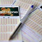 MEGA-SENA ACUMULA DE NOVO E PODE PAGAR R$ 43 MILHÕES NA TERÇA FEIRA