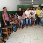 PREFEITURA DE ITACARÉ DISTRIBUI PARA AGRICULTORES 80 MIL LARVAS DE CAMARÃO