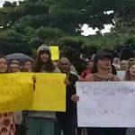 MORADORES PROTESTAM CONTRA CONSTRUÇÃO DE RESTAURANTE EM PRAIA DE ITACARÉ