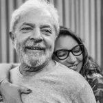 """NAMORADA DE LULA POSTA FOTO E COMPARTILHA: 'DE VOLTA PRA MEU ACONCHEGO"""""""