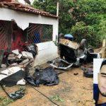 ACIDENTE DE CARRO DEIXA 01 MORTO  05 FERIDOS EM UBATÃ