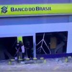 BANDIDOS EXPLODEM AGÊNCIA DO BANCO DO BRASIL EM SALVADOR