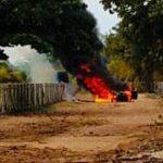 MARAÚ: CARRO PEGA FOGO E FICA COMPLETAMENTE DESTRUÍDO EM BARRA GRANDE